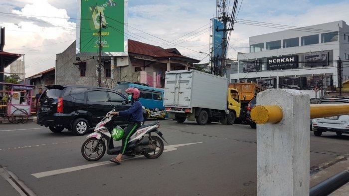 Motor lawan arah di Pancoran Mas, Depok