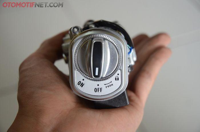 Kontak model knob atau yang sering disebut 'putaran kompor gas