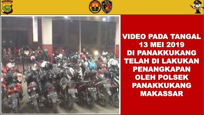 Presentasi dari Bid Humas Polda Metro Jaya
