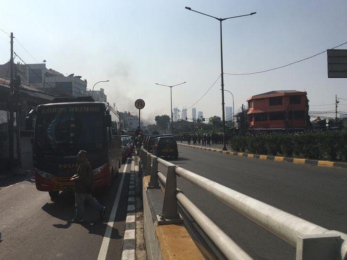 Aksi demo massa di daerah Tanah Abang, Jakarta Pusat