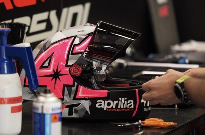Helm Aleix Espargaro bukan KYT SR-GP