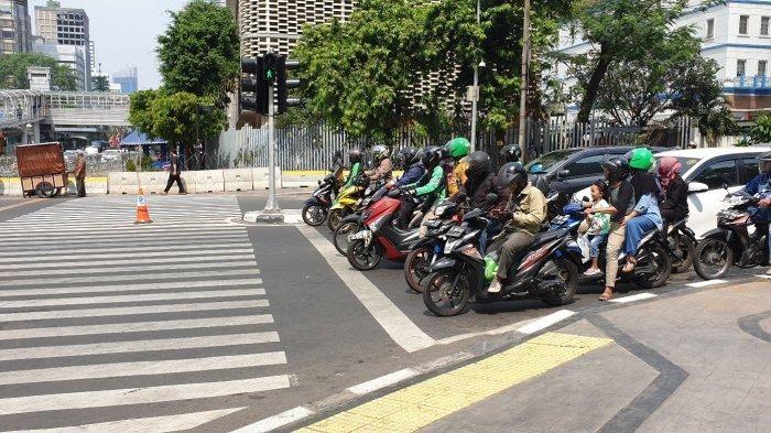 Pengguna jalan di Sarinah, Jakarta Pusat, mulai patuh pada peraturan lalu lintas