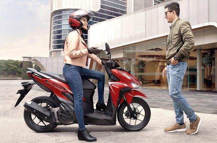 Banyak wanita memilih motor matic Honda Vario 125
