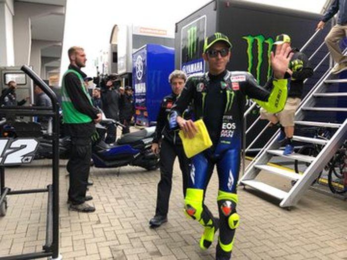 Valentino Rossi bareng coachnya Idalio Gavira, penghasilan per tahunnya kalah gede dari Marc Marquez