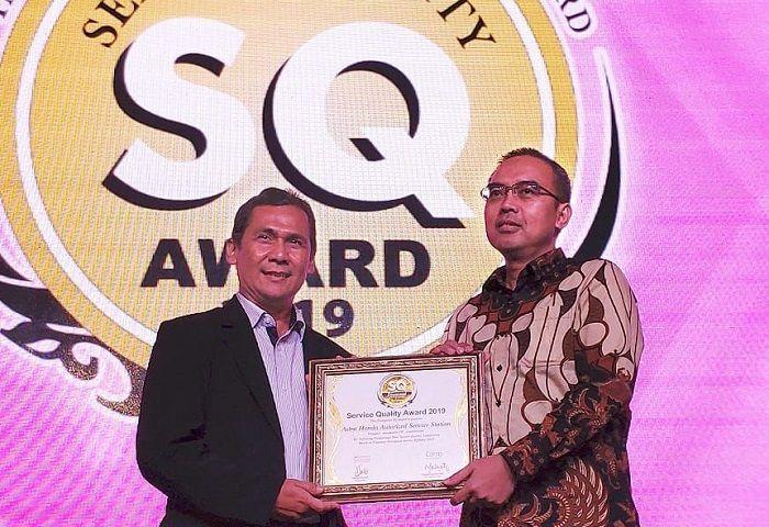 AHASS Honda raih penghargaan Service Quality Award 2019.