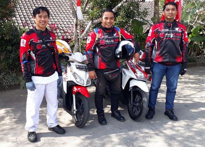 Tim Honda CARE ikut mengawal perjalanan turing Honda ADV 150 di Bali.