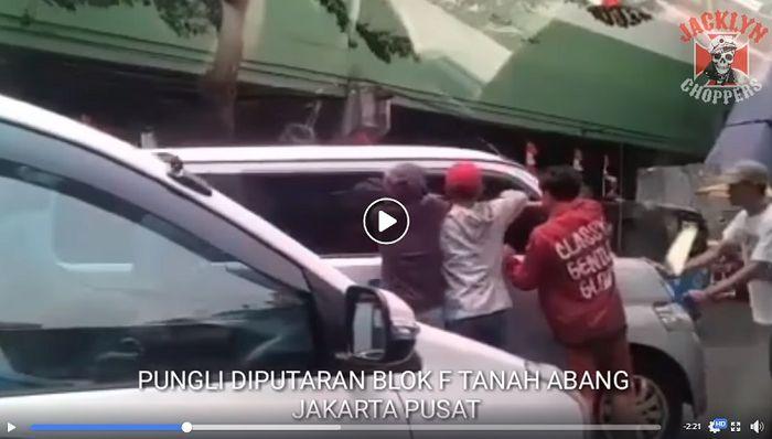 Pemotor Ketakutan, Video Preman Peras Pengendara Mobil di Tanah Abang