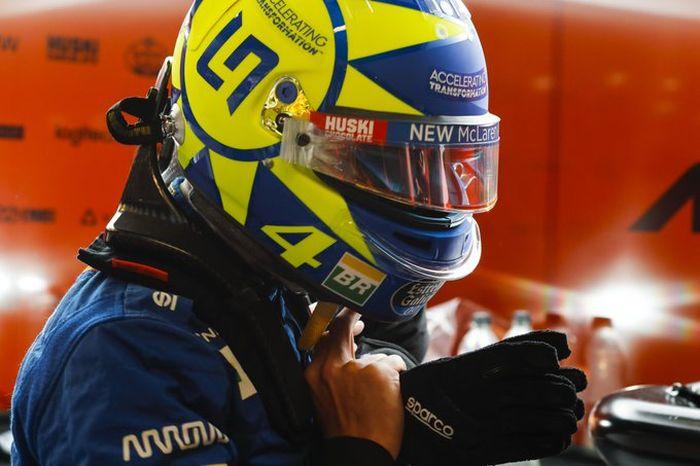 Helm desain Valentino Rossi, Luna el Sol, nongol di sirkuit Monza di ajang F1 Italia dipakai Lando Norris yang juga fanatikan berat Valentino Rossi