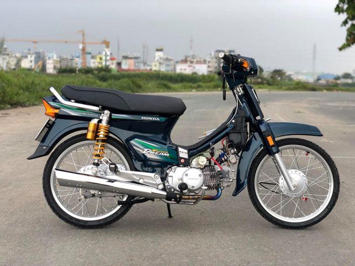Tampilan Honda Astrea Prima asal Vietnam ini jadi makin premium dengan sejumlah ubahan ini.