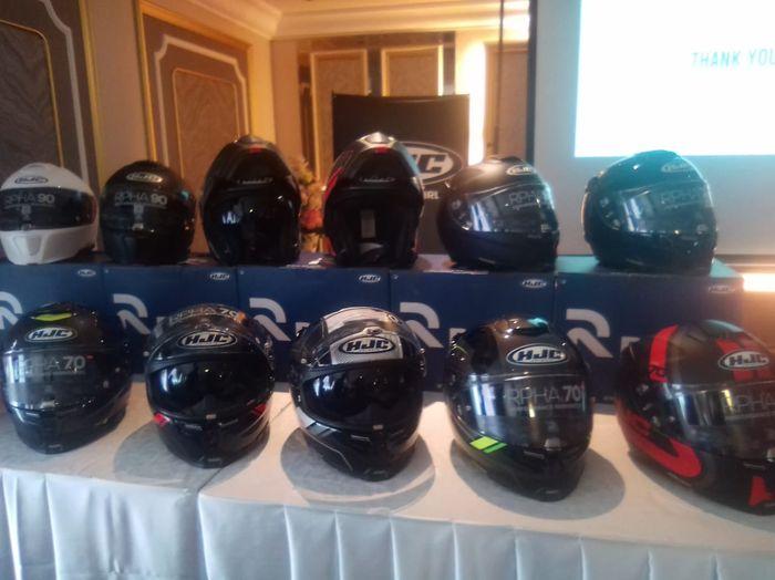 Ada tiga varian helm HJC yang lolos homologasi SNI