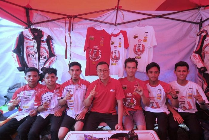 Tim ART bersama  Iwan Hari Susilo Manager ART Kalimantan.