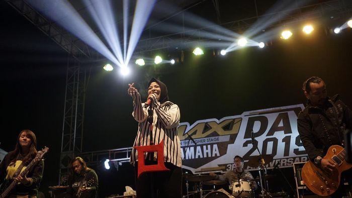 Vokalis Kotak Band, Tantri, ajak sesama pengguna Yamaha NMAX riding bareng