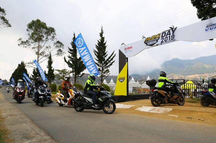 Ratusan bikers Yamaha memadati Puncak Perayaan 3rd Anniversary MAXI Yamaha Day 2019 di Dieng