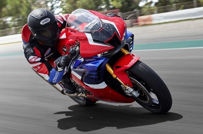 Marc Marquez saat mengetes Honda CBR1000RR-R SP