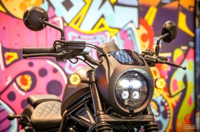 Honda CMX500 Rebel sudah disematkan lampu depan full LED yang menambah kesan futuristik namun  tetap klasik