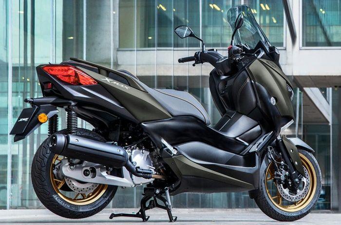 Yamaha XMAX 125 Tech MAX punya warna gelap ala saudaranya