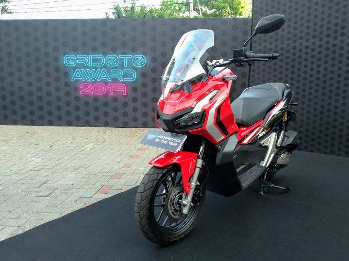 Honda ADV150, pemenang gelar Motorcycle of The Year versi GridOto Award 2019