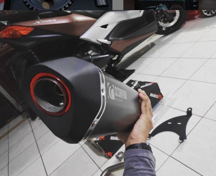 Knalpot Scorpion fullsystem Yamaha XMAX.