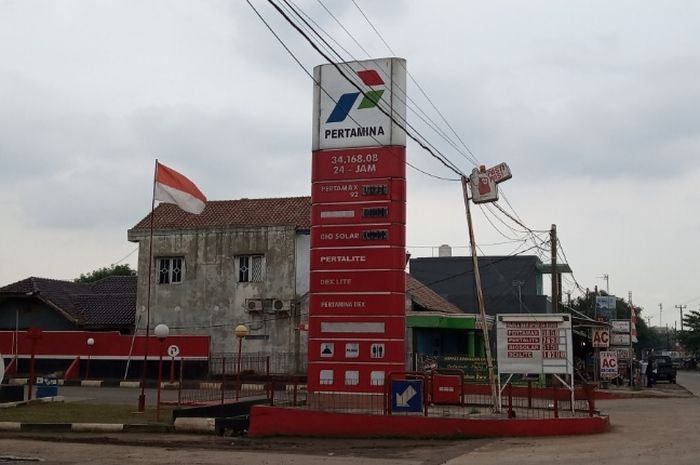 pom bensin yang mengalami kerugian adalah Stasiun Pengisian Bahan Bakar Umum (SPBU) berkode 34.168.08 di Jalan Raya Narogong, Cileungsi, Bogor.