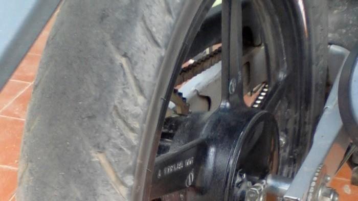 Ilustrasi kondisi ban motor