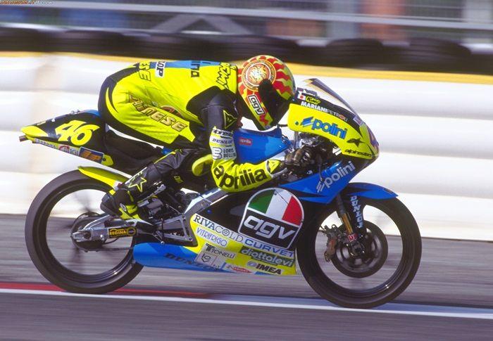 Valentino Rossi saat memulai musim perdananya.