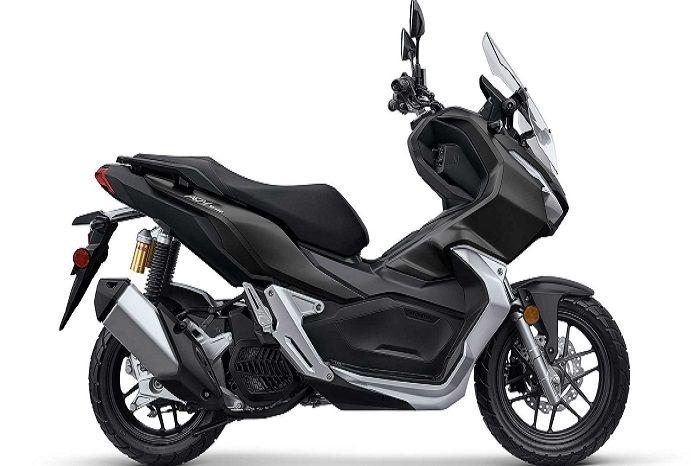 Honda ADV150 didukung mesin 150cc SOHC, eSP berpendingin cairan.