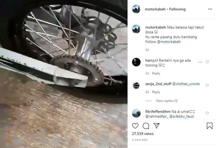 Rupanya rantai belum dipasang pada gear motor Kawasaki KLX 150 tersebut