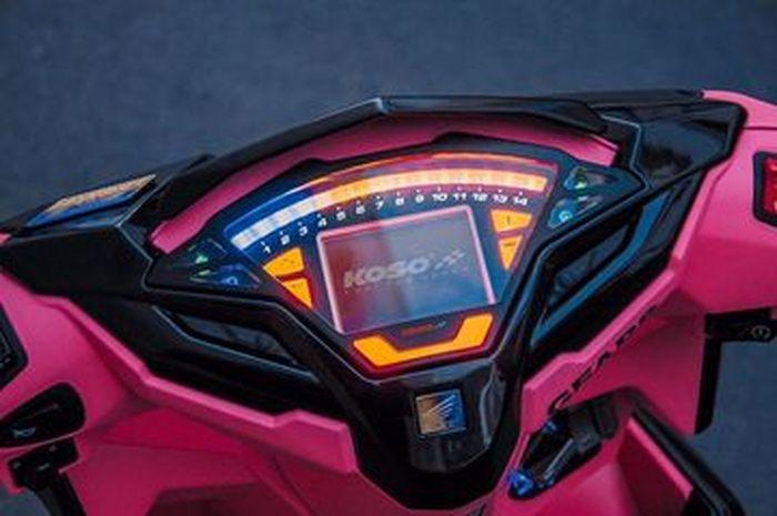 Penggunaan speedometer Koso bikin motor makin modern