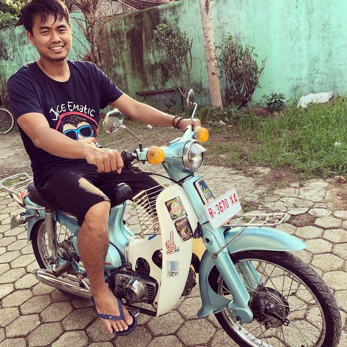 Tontowi Ahmad bersama Honda70