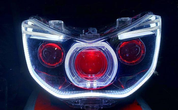 Projie Mitsubishi Pajero terpasang di Yamaha NMAX
