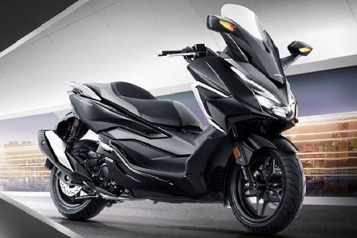 Honda Forza terbaru ini memakai mesin berkapasitas 329,6 cc berteknologi enhanced Smart Power (eSP).