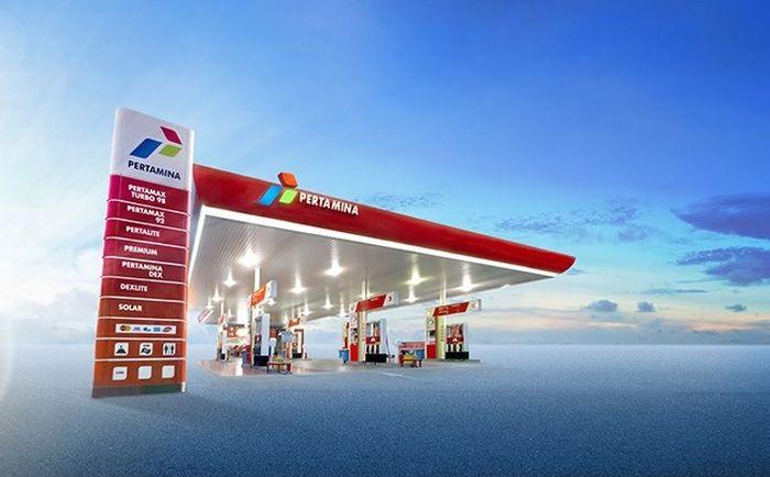 Dalam rangka HUT RI Ke-75 setiap pembelian Pertamax Series harga bensin turun atau dapat cashback 30%