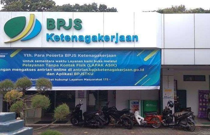 Ilustrasi. Untuk pendaftaran BLT tidak perlu datang langsung ke kantor BPJS Ketenagakerjaan