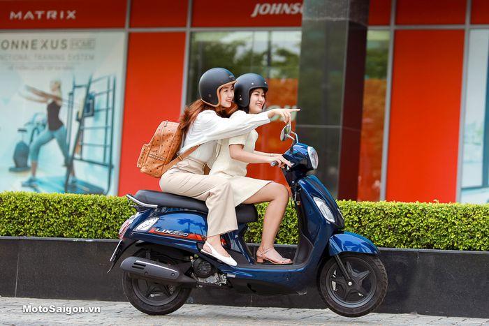 Meluncur motor matic baru mirip Vespa harganya lebih murah dari Honda BeAT, Kymco Like 50.