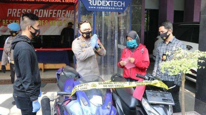 Kapolresta Tangerang Kombes Pol Ade Ary Syam Indradi dalam konferensi pers di Polresta Tangerang soal ungkap kasus pencurian ribuan motor, Rabu (9/9/2020).