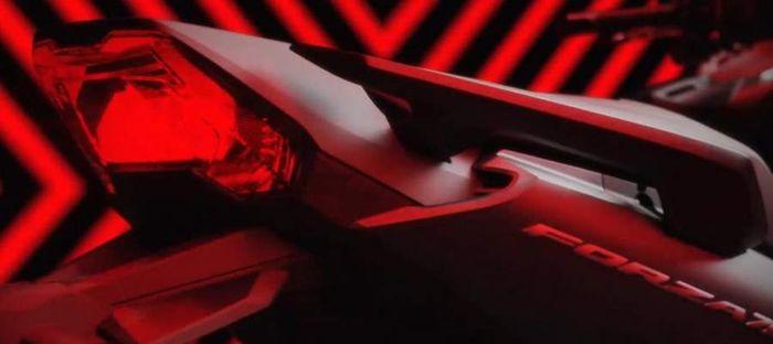 Penampakan Honda Forza 750