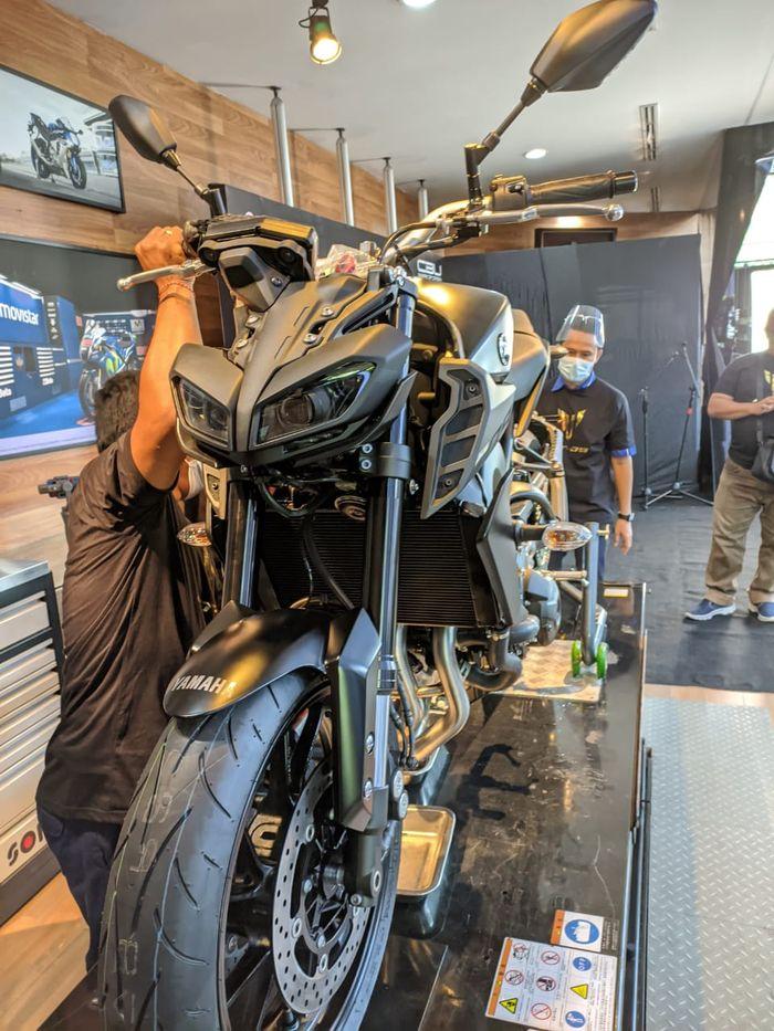 Unboxing Yamaha MT-09 2020 di Bali