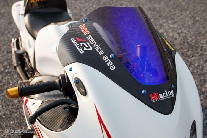 Pakai windshield Magical Racing, apik!