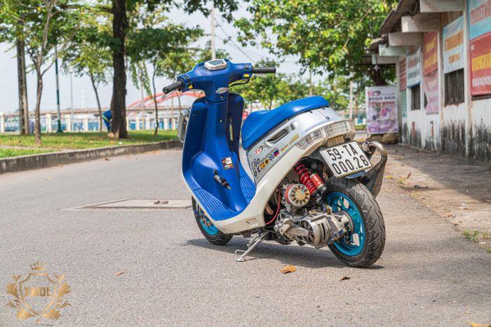 Modifikasi motor skutik 2-tak Honda Dio, kecil-kecil gahar!
