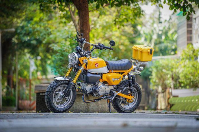 Modifikasi Honda Monkey 125 bergaya ala motor touring.