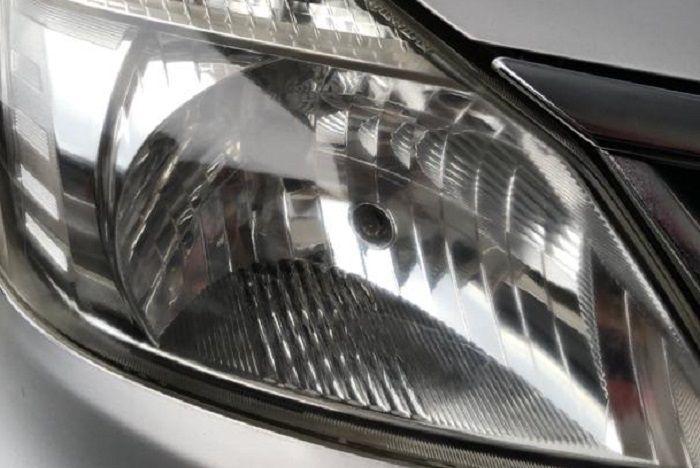 Lampu motor dan mobil jadi kinclong setelah pakai Wealthy Headlamp Restoration.