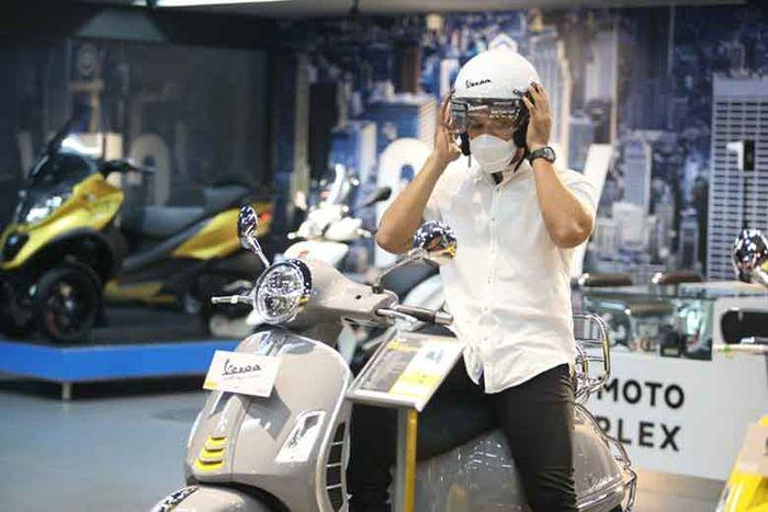 Ada empat brand yang dihadirkan di Motoplex, Piaggio, Vespa, Aprilia, dan Moto Guzzi.