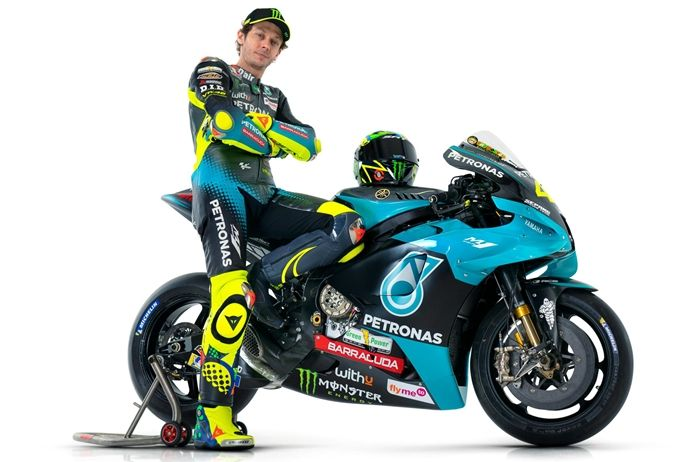 Valentino Rossi pakai motor Yamaha YZR-M1 Factory Spec A seperti tim pabrikan