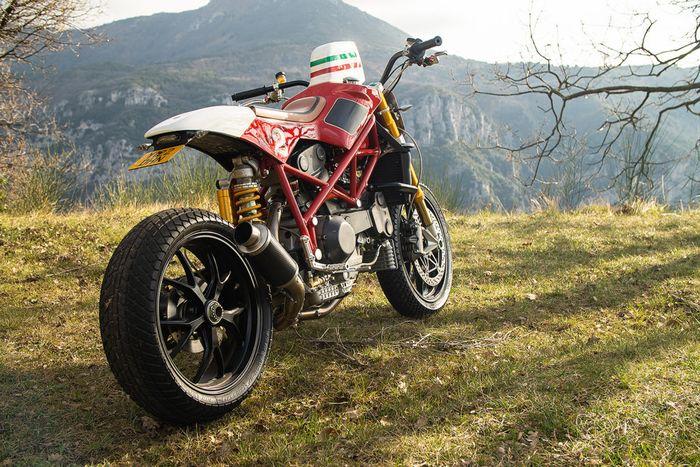 Modifikasi Ducati 996 bergaya tracker, terinspirasi mobil balap F1!