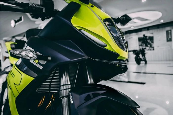 Bagian depan Benelli 302R 2021, calon lawan Kawasaki Ninja 250.