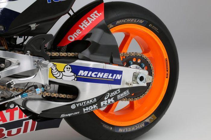Pelek motor MotoGP Marc Marquez merek OZ Racing.