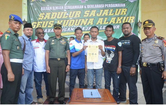 OKP Brigez Indonesia, XTC dan Moonraker menyatakan diri dengan membubuhkan tandatangan deklarasi perdamaian.
