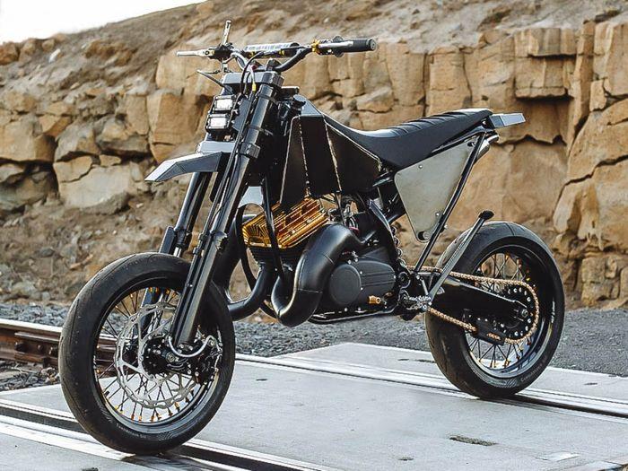 Yamaha RD350 custom supermoto dari Spoken Moto
