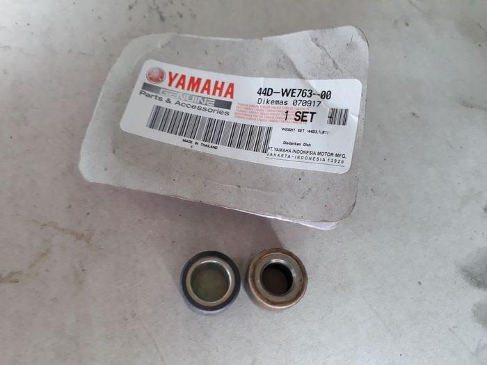 Perbandingan roller Yamaha Xeon (kiri) dan Yamaha NMAX (kanan)