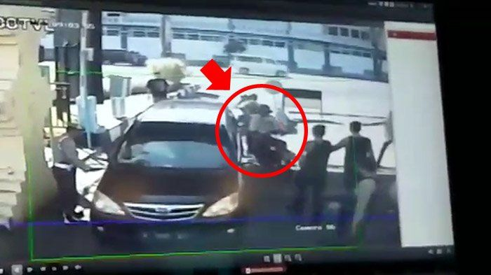Motor pelaku bom Mapolresta Surabaya pakai bebek